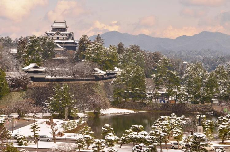 Matsue Castle in the snow - South side