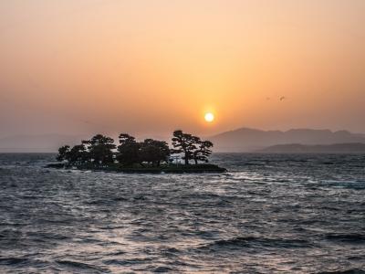 Lac Shinji Shinji-ko Shinjiko coucher soleil Shimane Japon Japon Castle rural donjon Edo histoire voyage tourisme authentique