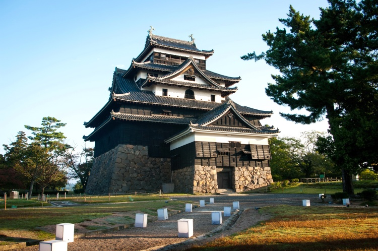 Matsue shimane japon tourisme voyage trip rural authentique chateau donjon edo époque bois traditionnel bâtiment arhitecture