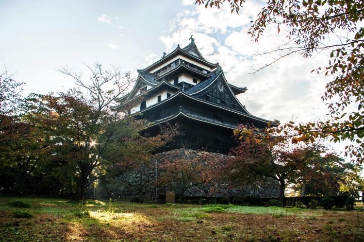 Matsue shimane japon tourisme voyage trip rural authentique chateau donjon edo époque bois traditionnel bâtiment architecture