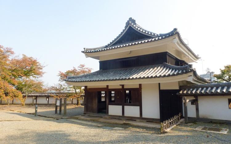 Matsue shimane japon tourisme voyage trip rural authentique chateau donjon edo époque bois traditionnel bâtiment architecture tourelle